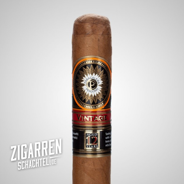 Perdomo Double Aged Vintage 12 Years Connecticut Robusto